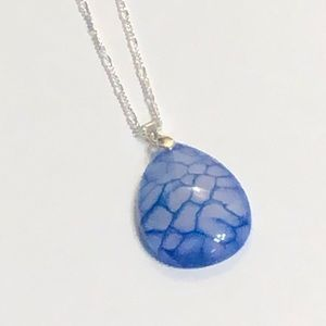 Blue & White Dragon's Veins Agate Necklace